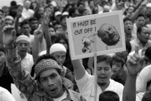 090220_peaceful_muslims_behead-b-w