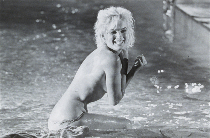 http://inebriatedpress.files.wordpress.com/2009/03/marilyn_monroe_pool.jpg